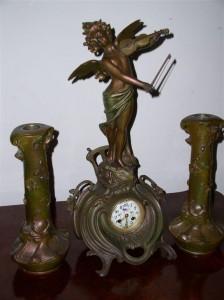 Zegar kominkowy z dwoma przystawkami